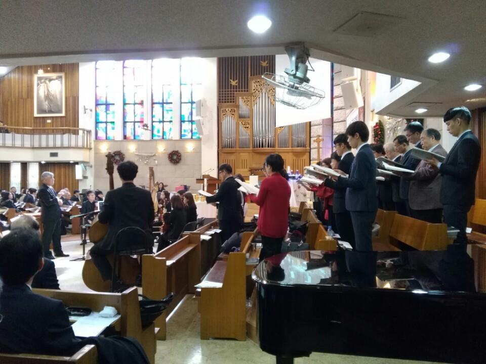 KakaoTalk_20161230_183659250이웃초청성탄축하음악예배.jpg