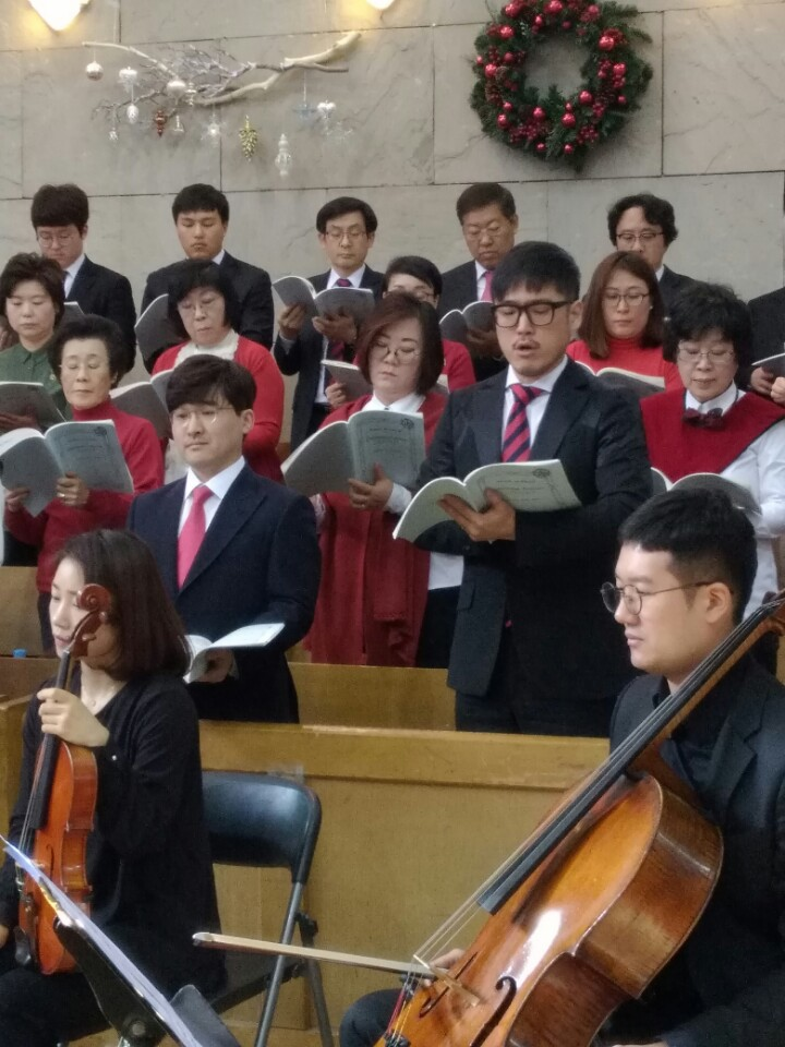 KakaoTalk_20161230_183550985이웃초청성탄축하음악예배.jpg